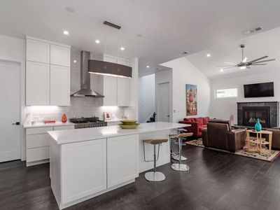 Photo for Spacious Couple's Getaway in Heart the of DT Austin! Treat Yourself to Luxury - 1 Block off SoCo!