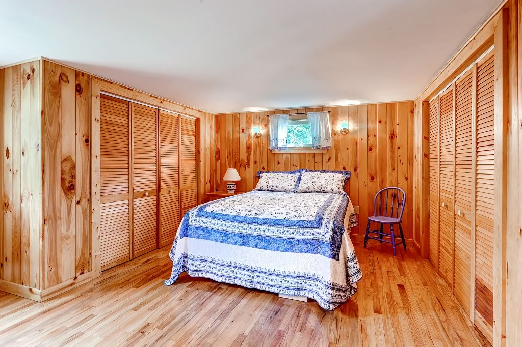 isle la motte chat rooms Home for sale: 652 sq ft, 1 bed, 1 full bath house located at 109 north point road, isle la motte, vt 05463 on sale for $235,000 mls# 4621021 quiet and.