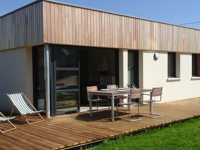 Photo for Holiday home Trégastel at 200m from the sea