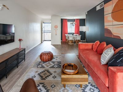 Photo for WanderJaunt | Henley | 1BR | Old Town Scottsdale
