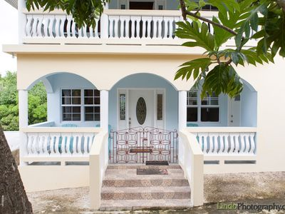 Experience Real Jamaica! Large House, full kitchen, quiet beach, local vendors.