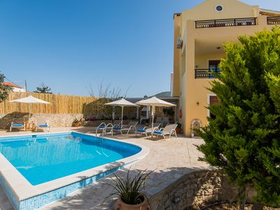 Photo for Villa Nikolaos! Private pool, Ideal for families, close to restaurants & town!