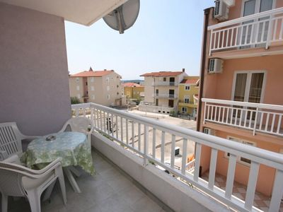 Photo for Two bedroom apartment with terrace and sea view Makarska (A-6640-b)