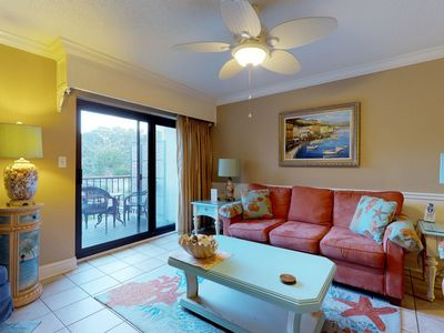 Photo for Tropical condo w/ shared pool, hot tub, lagoon views from balcony & beach access