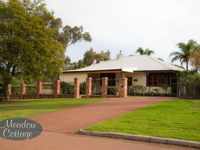 Photo for Priv House+Pool+Wi-Fi+10 min from Perth & Wineries