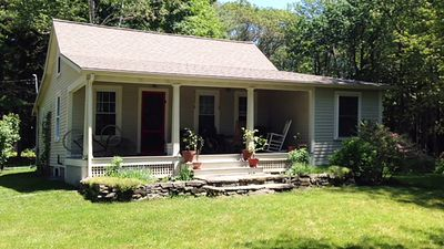 Photo for Cozy Peaks Island Cottage
