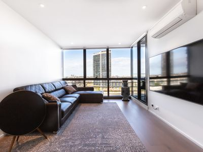 Photo for Sabrina, Clean Contemporary 2 bedroom Docklands Apartment
