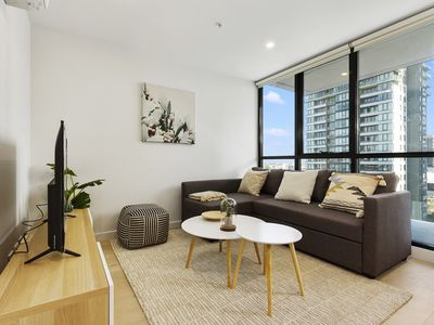 Photo for 1BR Southbank Apt Perfect for City Getaway