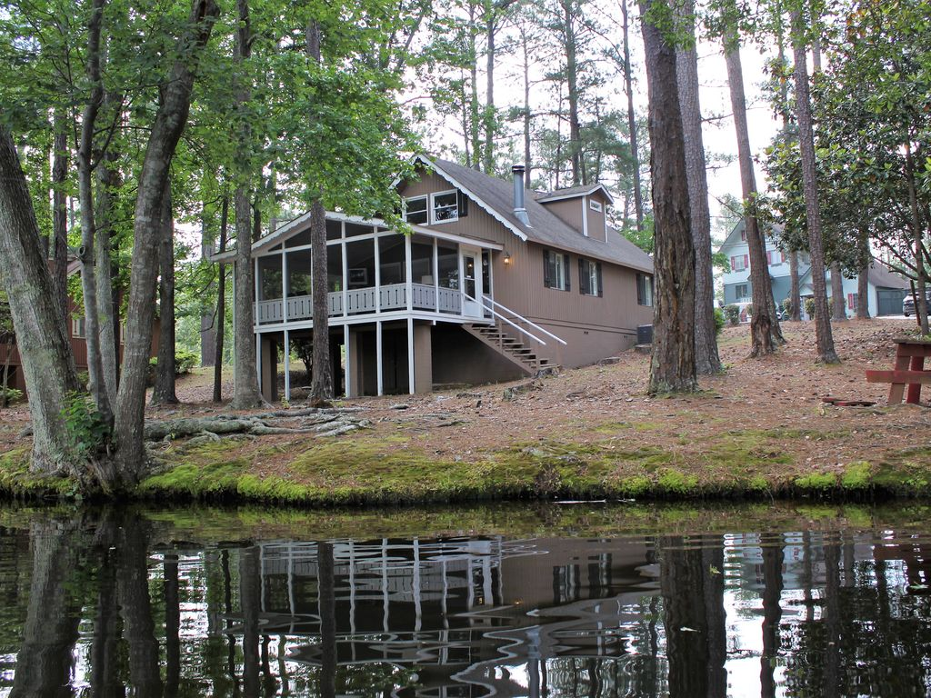 Cozy Lakefront Chalet Near Callaway Homeaway Pine Mountain