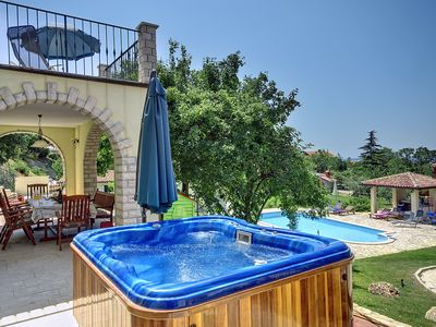 Photo for This 8-bedroom villa for up to 16 guests is located in Liznjan/Ližnjan and has a private swimming po