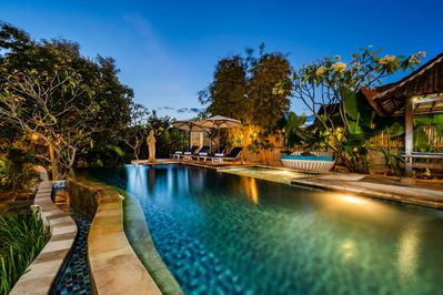Balinese Style House with Public Swimming Pool, Close to Mushroom Beach  (DLX) - Nusapenida