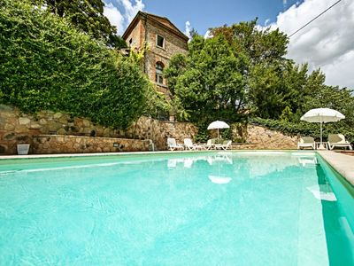 Photo for Apartment with pool and garden to eat outside. Sinalunga (Siena).