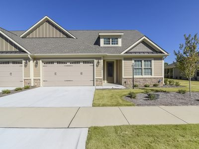 Gorgeous new construction Townhome in Pinehurst! Great Location!