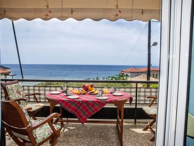 Photo for Traditional house with seaview, next to the beach