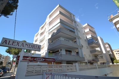 Access to the residence next door (swimming pool) and Residence Alejandria (apt)