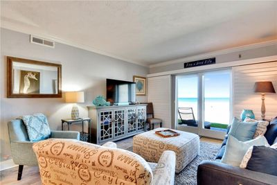 Gorgeous Direct Oceanfront Living Room