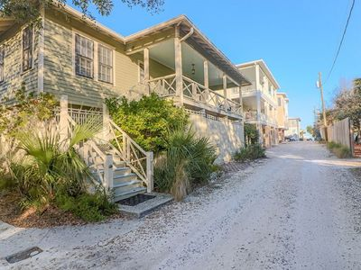 Skipjack Cottage - Ideal for Families or Groups - 5 Houses from Beach!