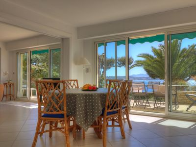 Photo for Apartment T3 (2 bedrooms) on the ground floor in the center of Bandol, sea view