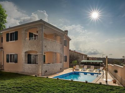 Photo for Holiday house Vabriga for 2 - 8 persons with 4 bedrooms - Holiday house
