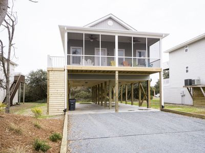 Photo for Kini Beach: 3 BR / 2 BA home in Oak Island, Sleeps 8