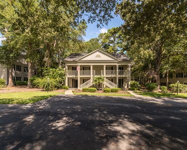 Sweet unit in Pawleys Plantation close to golf/shopping & more! Unit 179-1