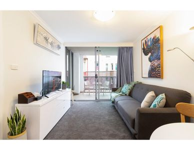 Photo for Resort Style CBD Apartment with Parking