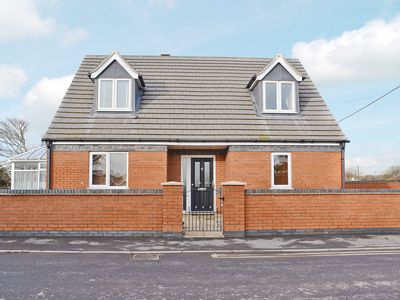 Photo for 4 bedroom accommodation in Anderby, near Sutton-on-Sea