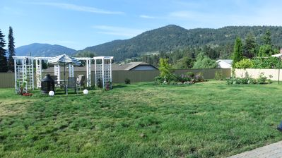 Photo for Brand New, Luxury 2 Bedroom Suite, Private Garden with Mountain View. Very quiet