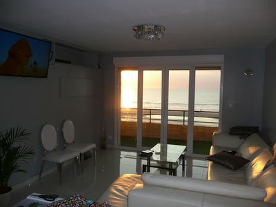 Photo for Upscale rental facing the sea the waterfront