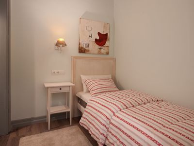 Photo for Deluxe 3 bedroom apartment 5 min from Paseo de Gracia!