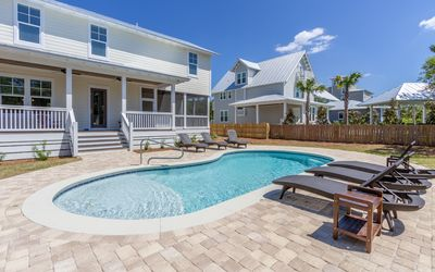 Photo for High Tide - Brand new home, private pool, close to beach, 4 bikes