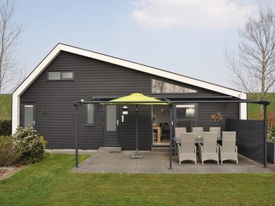 Photo for Attractive holiday home with wonderful garden near the Eastern Scheldt
