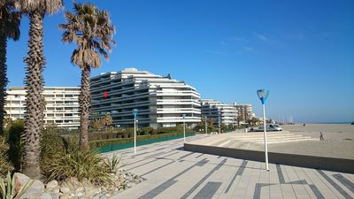 Photo for Apartment seafront luxury building Canet Sud, parking and free WIFI