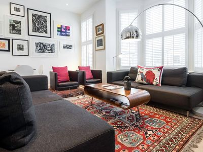 Photo for Eclectic & Spacious 2 Bed 2 Bath near Notting Hill