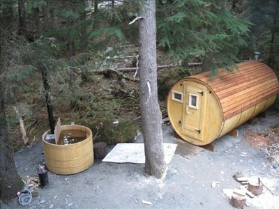 Sauna and Hot Tub in the Woods