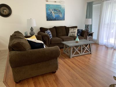 Photo for *SPECIAL NEW OWNER RATES* CLEAN Updated Lakeview Condo, Deck W/Table & 6 Chairs