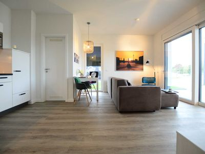 Photo for Apartment with 1 bedroom - Luxstay Werder on the great Zernsee