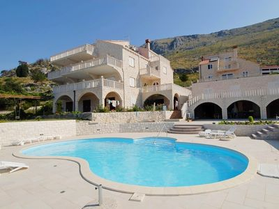 Photo for Apartments and rooms Niko, (10895), Soline, Croatia