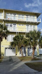 Photo for Location, Location, Location! Beach, downtown, and boardwalk nearby!