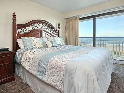 DIRECT OCEAN VIEW CONDO ON THE GOLDEN MILE!