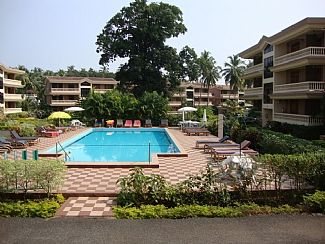 Apartment With 3 Pools And A Gated Complex - Apartment 1