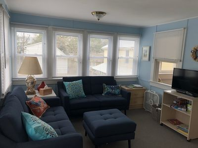 Photo for Charming Upper Cottage, 1.5 Blocks to Beach/Boards, Sleeps 4, pet friendly
