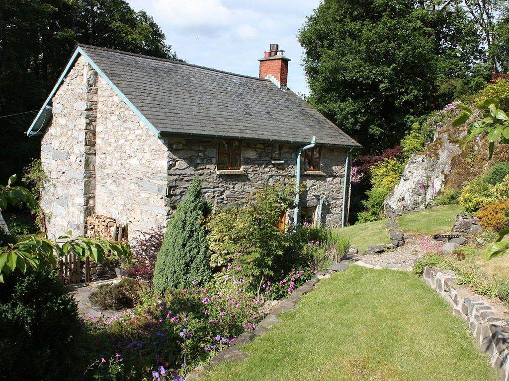 rent orchard hand self mid to picked monmouthshire cottages cottage holiday wales in catering