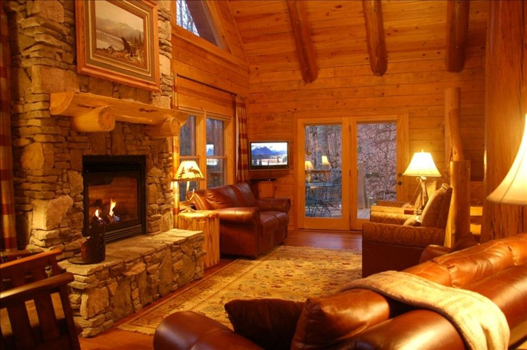 Deluxe Log Home Mountain View Hot Tub 2 Game Rms Hdtv
