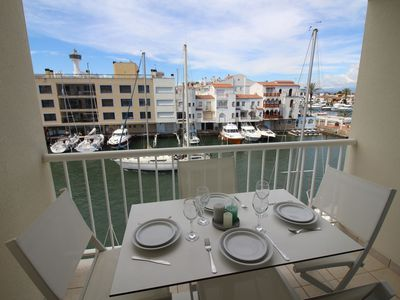 Photo for Apartment with view on the Empuriabrava canal, wifi and garage