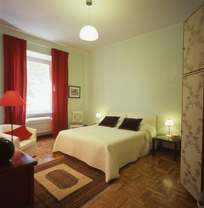 Photo for Apartment for 2-4, 200mts to Vatican Museum, 50mts metro, wifi, A/C, TV SAT free