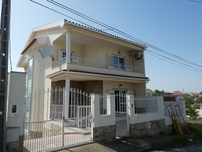 Photo for 3BR House Vacation Rental in Charneca de Caparica, Setúbal