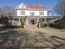 Photo for 4BR House Vacation Rental in Belton, South Carolina