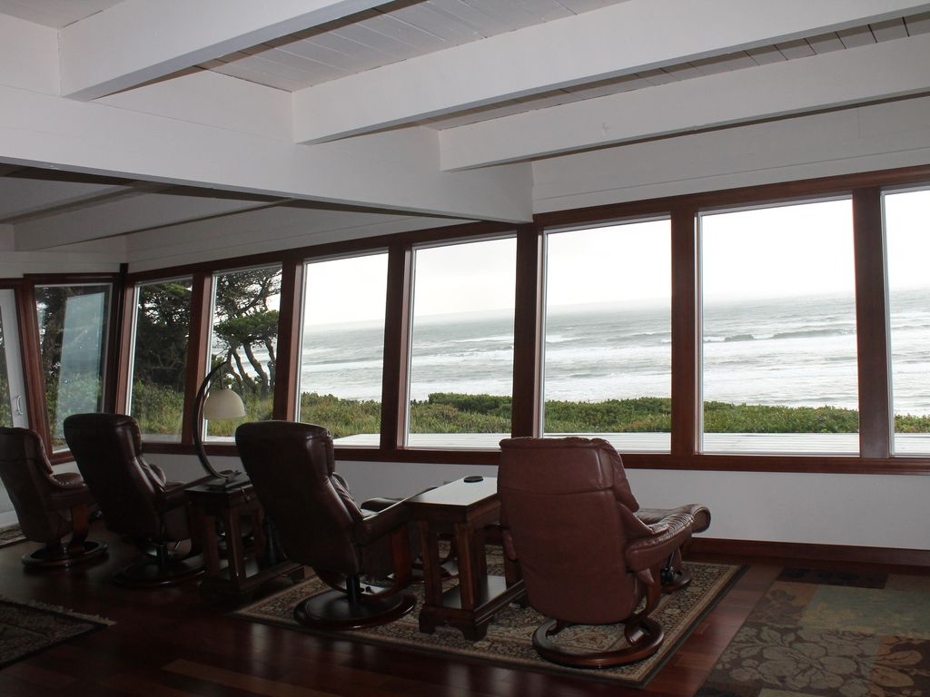 Ocean Front Luxury Beach House 6 Bedroom 5 5 Bath South Beach Oregon Coast Oregon