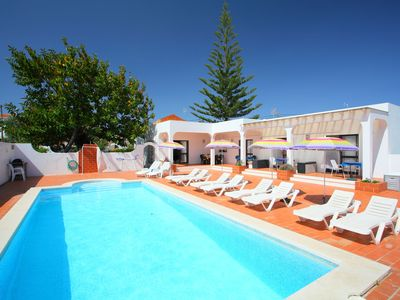 Photo for This 5-bedroom villa for up to 10 guests is located in Altura and has a private swimming pool, air-c